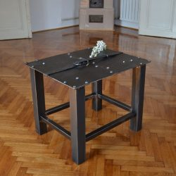 Iron furniture like this will also completely transform the surrounding area where the table is set